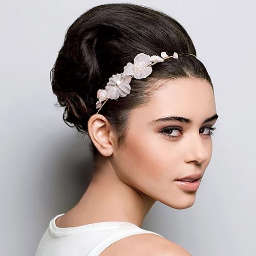 bride hairsty;e