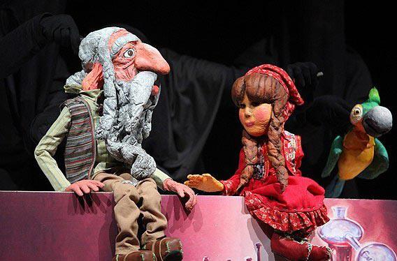 برقراری ارتباط بین تئاتر عروسکی ،شناسایی اسطورهها از طریق تئاتر عروسکی