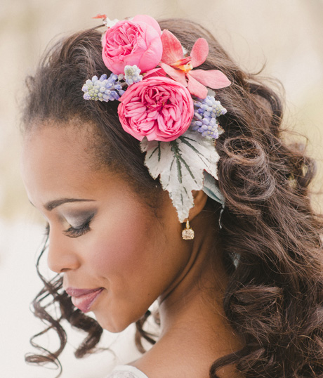 عروس خانم ها با گل موهاتونو تزیین کنید