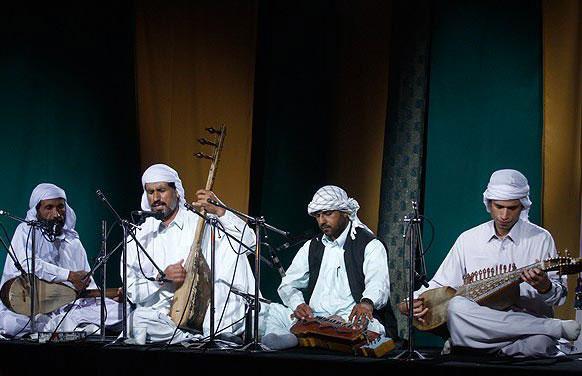 نواختن موسیقی سنتی شهر های مختلف در این جشنواره