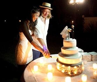 همه آنچه قبل از سفارش کیک عروسی باید بدانید
