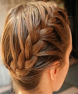 آموزش بافت مو فرانسوی یک طرفِ شانه در 5 قدم