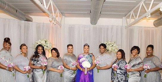 تصاویر جشن عروسی زنی که با خودش ازدواج کرد