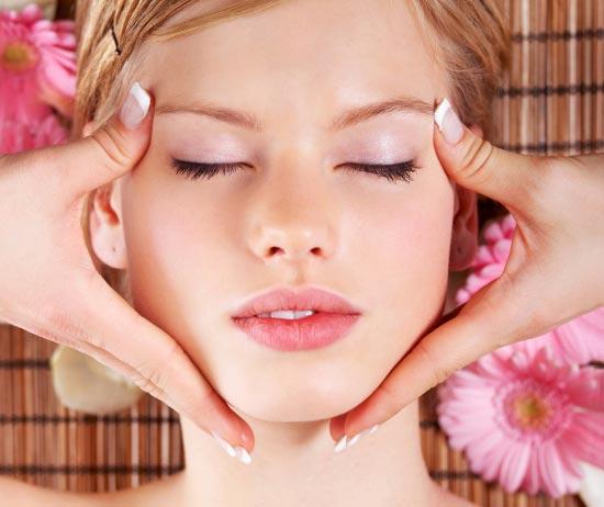 داشتن پوست صاف با از بین بردن منافذ روی پوست صورت
