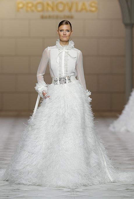 مدلهای لباس عروس پاییزو زمستان 2015