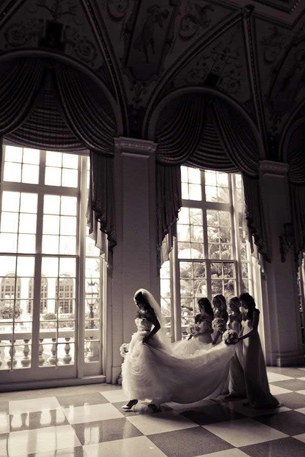 عروس و داماد روی کمک شما حساب کردن