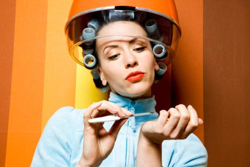 به ناخن ها و موی خود مانند پوستتان اهمیت دهید