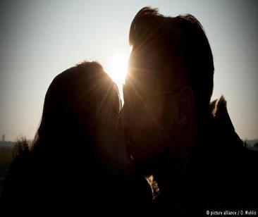 چرا میبوسیم؟