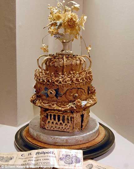 قدیمی ترین کیک عروسی باقی مانده در موزه