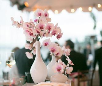 11 پیشنهاد برای خرید گل عروسی
