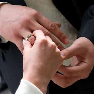 انتخاب حلقه برای داماد