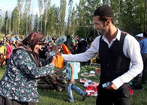 داماد باید از مادر زنش به خاطر عقد دخترش تشکر کند