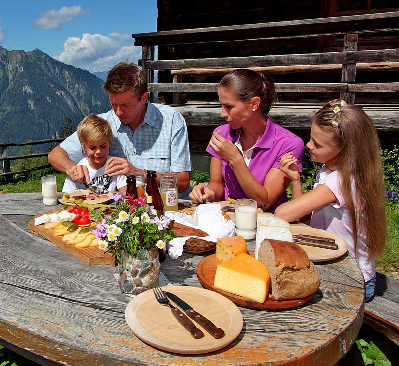 تعطیلات خانوادگی همراه با کودکتان